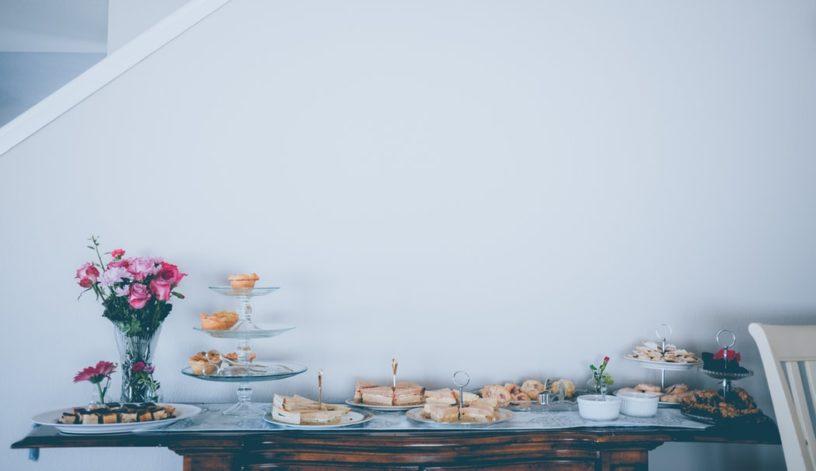 Die perfekte Babyparty planen: Einladung, Deko, Essen, etc.