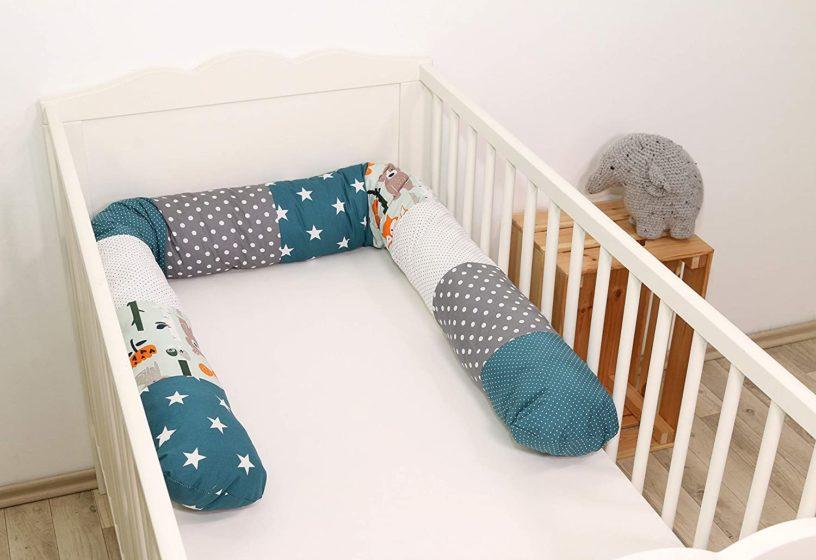 Die besten Bettschlangen und Bettrollen zum Kuscheln für das Baby