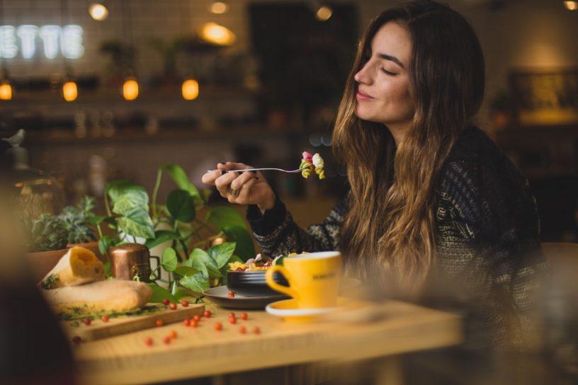 Die richtige Ernährung und Nahrungsergänzung in Schwangerschaft und Stillzeit