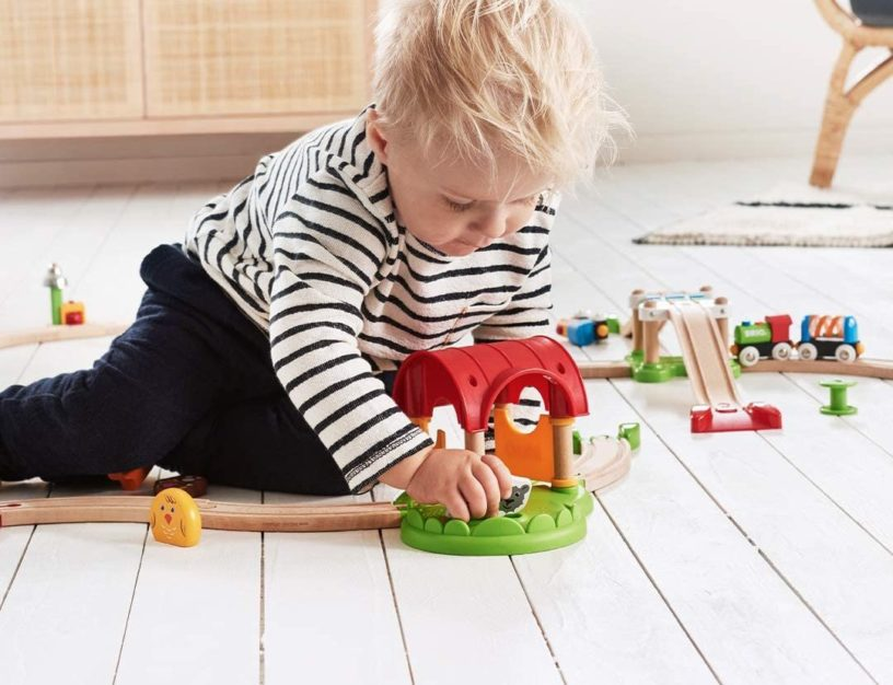 Die besten Holzeisenbahnen für Kinder von Brio und Eichhorn